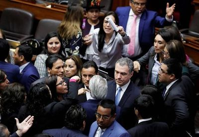 Saneamiento de la justicia peruana enfrenta al Congreso y al Ejecutivo