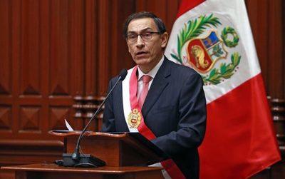 El Presidente de Perú disuelve el Congreso en medio de una disputa entre poderes