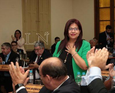 UNA: rector, decanos y directores no tendrán aumentos, aclaran
