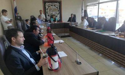Con apoyo de 4 colorados y 4 liberales vendidos,  va al archivo pedido de intervención en Minga Guazú