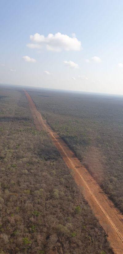 Una línea de 55 km logra contener incendios en zona de Chovoreca