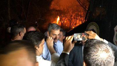 Abdo Benítez recorrió área arrasada en Parque Guazú