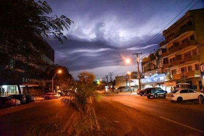 Pronostican lluvias con leve descenso de temperatura