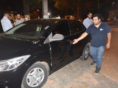 Con piedra atacan a un conductor de Uber en Asunción