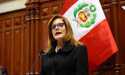 Perú: Mercedes Aráoz renunció a la vicepresidencia y a la presidencia interina