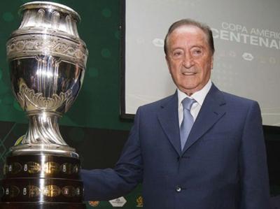FIFA inhabilita de por vida a Figueredo
