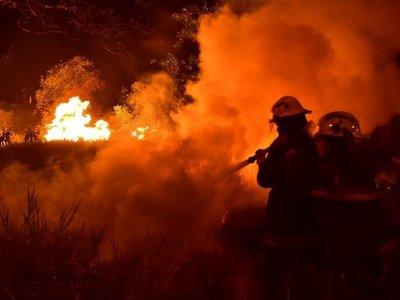La historia del bombero que pasó su cumpleaños salvando el Parque Guasu