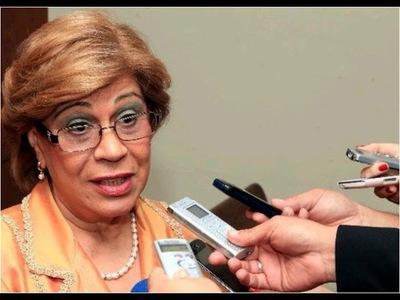 Ministra ''high level'' se enojó porque nadie la reconoció