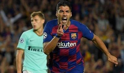 HOY / El Barcelona, con un doblete de Luis Suárez, remonta al Inter