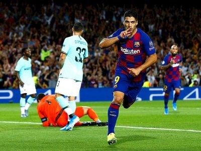 El Barcelona, con un doblete de Luis Suárez, remonta y condena al Inter