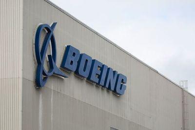 """Interminable """"guerra"""" entre Airbus y Boeing"""