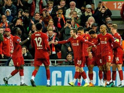 El osado Salzburgo hace dudar a un intermitente Liverpool