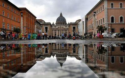 Escándalo en el Vaticano por presuntas transacciones ilegales