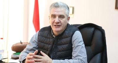Bacchetta pide al presidente Abdo destituir a titular del Indert