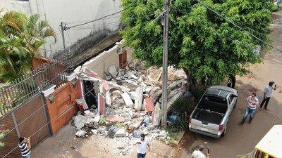 Comuna esteña derriba garita frente a la vivienda de Javier Zacarías Irún