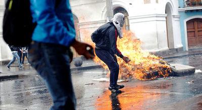 Casi 200 personas detenidas en manifestaciones contra el gobierno de Ecuador