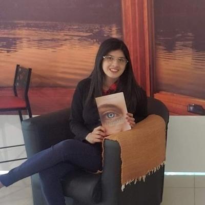 """Joven franqueña presenta su libro """"Diamante, caminos que se cruzan"""""""