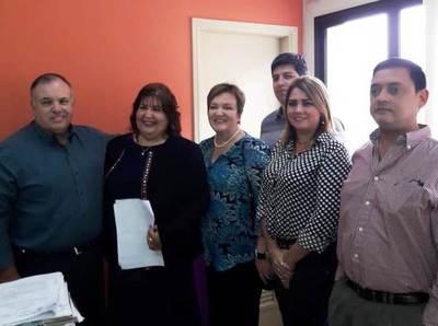 Asume nueva directora de IPS de Luque •