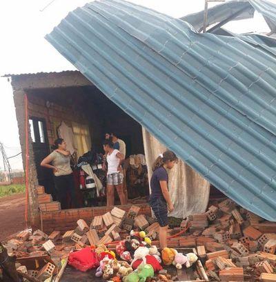 Tornado castiga duro a pobladores del Alto Paraná