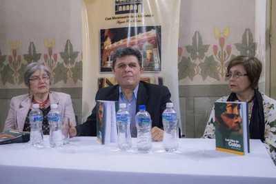 """Presentan el libro """"Los Hijos de Colón"""", del escritor Marcos Ybáñez"""