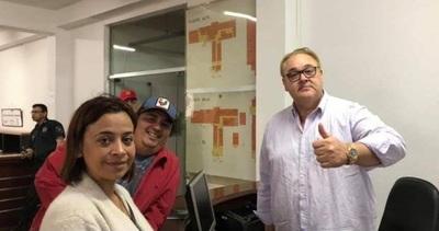 Julia Ferreira hace campaña con asistencia a damnificados de Franco