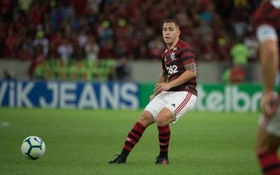 HOY / Flamengo sigue líder en Brasil y se distancia del Palmeiras