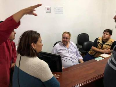 Candidatos de Franco hacen campaña política con asistencia a damnificados