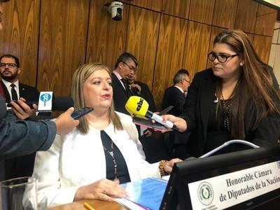 Escasez de fiscales dificulta la labor investigativa, dice titular del Ministerio Público