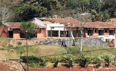 """Invasor de la """"Casa del Terror"""" baleado tras riña en el asentamiento"""
