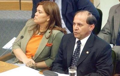 Abogada afirma que su marido debe ser repuesto en la Corte