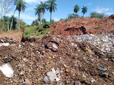 Intendente de Yaguarón se expone a cárcel por quema de basura en vertedero