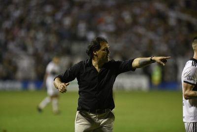 Celso Ayala asume en Luqueño