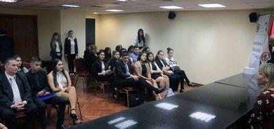Alumnos aprenden jurisdicción penal y división forense