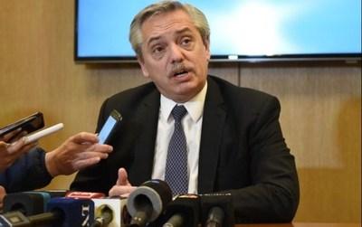 Fernández amplía su ventaja sobre Macri, según los sondeos