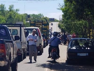 San Ignacio; manifestación con cierre de ruta contra intento de tercerización
