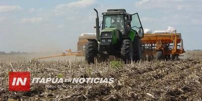AGRICULTORES APURAN SIEMBRA TRAS LA LLUVIA DE LA SEMANA PASADA