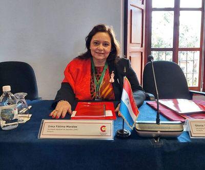 Fátima Morales presente en Seminario de Guatemala
