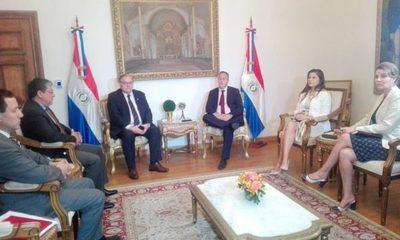 Embajador uruguayo fue convocado tras huida de Arrom, Martí y Colmán
