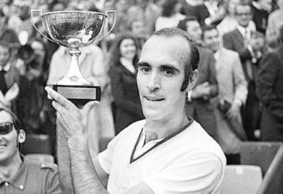 Muere el tenista español Andrés Gimeno a los 82 años