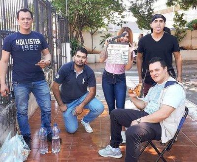 ACTOR TERMINÓ BALEADO POR UN POLICÍA DURANTE EL RODAJE DE UN ASALTO
