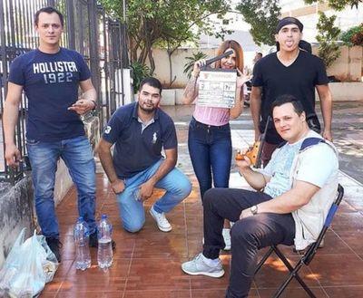 """""""Quién iba a pensar que esto era un simulacro"""", dijo policía sobre filmación de anuncio comercial en Fernando de la Mora"""