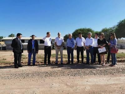 Anuncian construcción de parque sanitario en Loma Plata