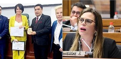 Kattya pide destitución de director por homenajear a modelo argentina