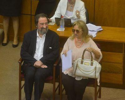 """Laíno pide a ministros de la Corte """"menos tragada y más austeridad"""""""