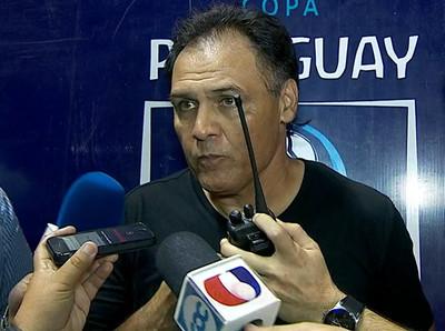 Celso Ayala dispara contra la labor arbitral