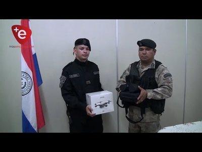 ASOC. DE INTENDENTES ENTREGÓ UN DRONE A LA POLICIA DE ITAPÚA