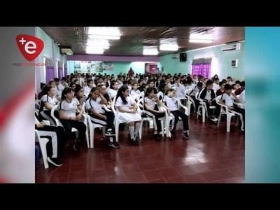 EN EL DÍA DEL POETA PARAGUAYO, INCENTIVAN A JOVENES EN EL ARTE DE LA LECTURA Y ESCRITURA