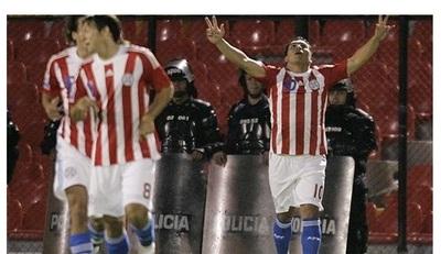 Salvador Cabañas eligió al gol contra Colombia como el mejor de su carrera