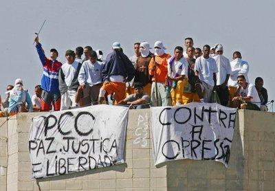 PCC REALIZA CULTO DE ALABANZA A LA FACCIÓN LIBREMENTE EN LA CÁRCEL DE CDE