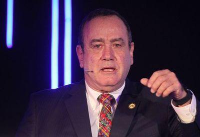 Presidente electo de Guatemala denuncia que le negaron ingreso a Venezuela